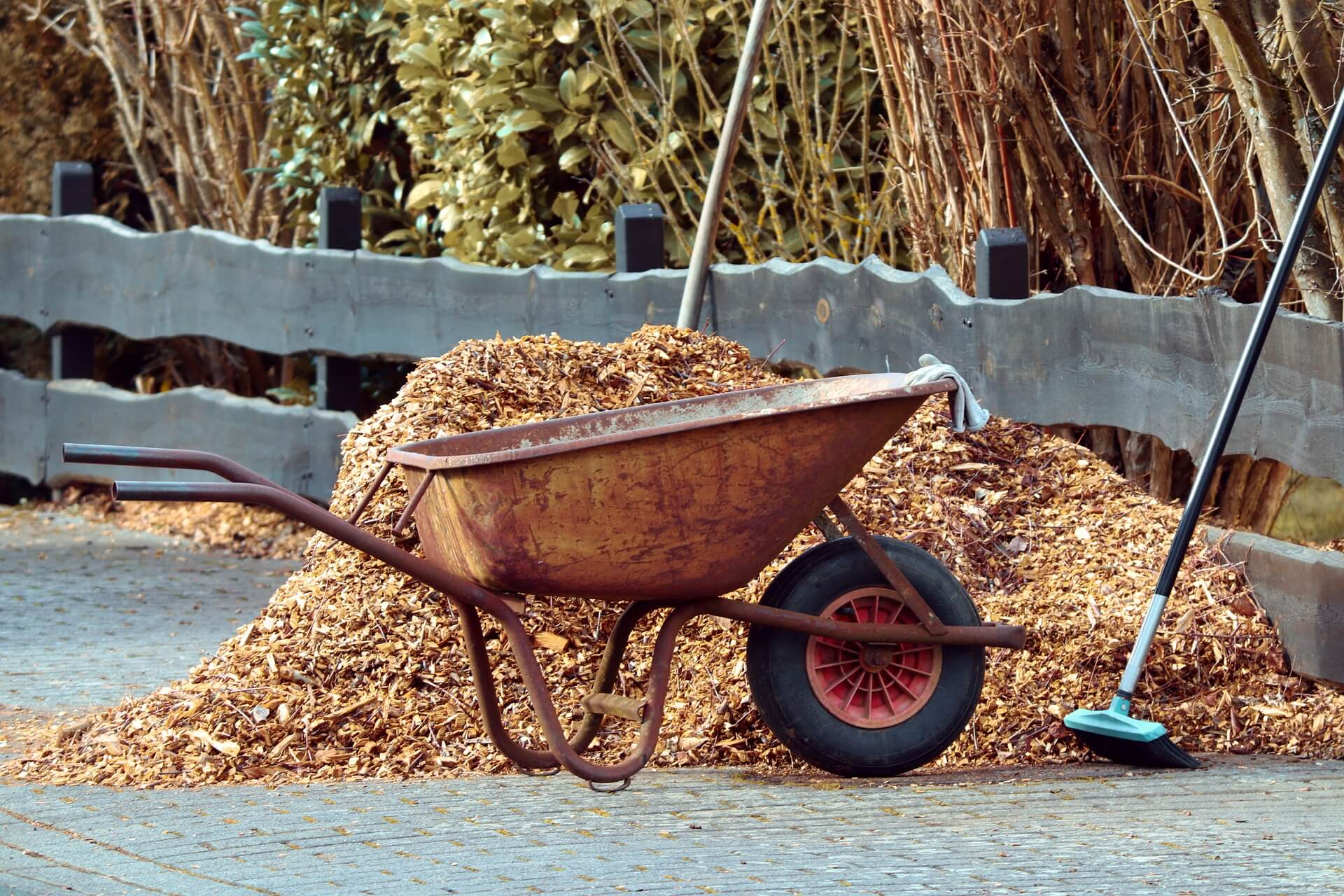 wheelbarrow of mulch